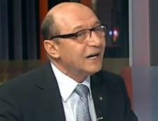 Basescu: Garantez ca Udrea nu bate la usa niciunui barbat. A fost la Ponta sa discute despre Kovesi