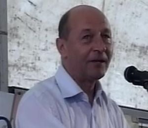 Basescu: Geoana - un presedinte slab, condus din spate de altii