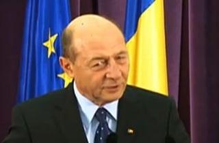 Basescu: Guvernul Ponta face aceleasi greseli ca Boc: Peste tot numai politruci
