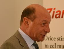 Basescu: Imi este jena de Iohannis