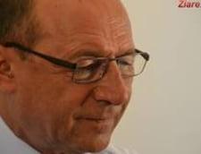 Basescu: Inundatii in toata tara. Nu presedinte, nu premier, nu ministri... Ceva este in neregula cu noi