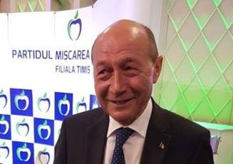 """Basescu: Iohannis este in euforia neintelegerii concluziilor. A fost """"cam degeaba"""" la Varsovia (Video)"""