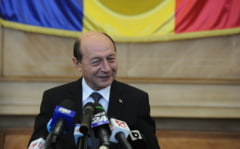 Basescu: Iohannis si Ponta stau nas in nas de dimineata pana seara, e o coabitare necinstita