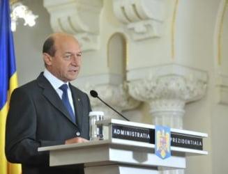 Basescu: Legile retrimise Parlamentului erau in contradictie cu masurile Guvernului