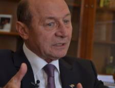 Basescu: Ma socheaza sa-i vad cu ingenuitate venind la televizor, spunand ce gaura avem la pensii. Se stia si Opozitia asa a votat!