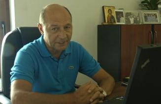 Basescu: N-as fi vrut niciodata sa anunt taierea salariilor (Video)