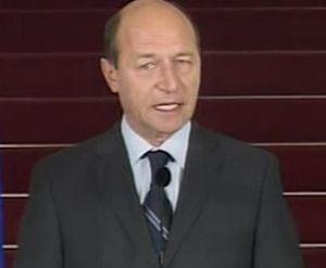 Basescu: Nu accept un premier manipulat de Hrebenciuc sau Voiculescu