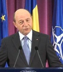 Basescu: Nu am fost si nu sunt ofiter acoperit. Doctorul Ponta e mincinos!