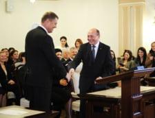 Basescu. Nu stiu cine-i campionul la postat, nimeni nu-l intrece pe Iohannis. Postacii de partid, mai prost platiti ca el