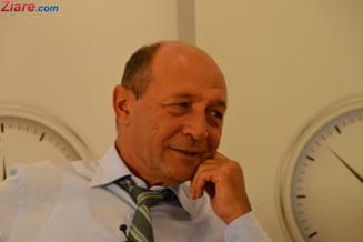 Basescu: Parlamentarii sa puna piciorul in prag. Legea offshore nu poate fi votata dupa cum ridica degetul Dragnea sau Tariceanu