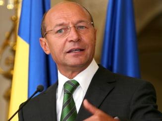 Basescu: Politizarea scolii este o pelagra