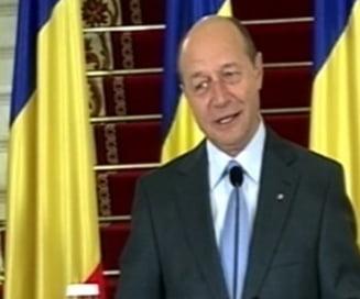 Basescu: Ponta, doctorul facut de Nastase, sa respecte institutia prezidentiala