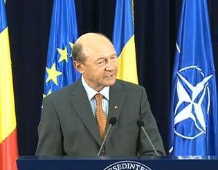 Basescu: Ponta sa nu mai atace justitia! Aduce prejudicii grave Romaniei