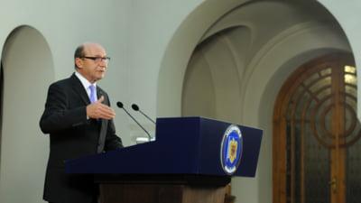 """Basescu: Ponta si """"Sfantul Iohannis"""", mincinosi si corupti. Romanii vor regreta"""