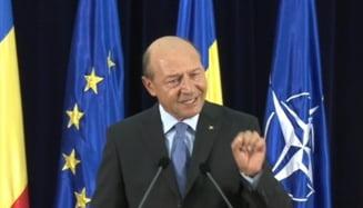 Basescu: Potrivit Constitutiei, presedintele decide recunoasterea sau nu a Kosovo
