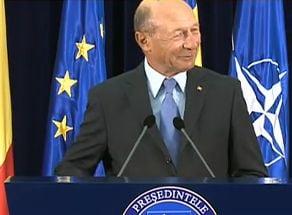 Basescu: Premierul e pe plaja la Miami. Daca era la Neptun, ne vedeam mai repede