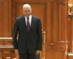 Basescu: Prin coruptie, minciuna, lacomie si incompetenta putem pune in pericol Romania