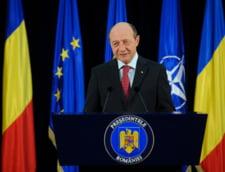 Basescu: Puneti in dezbatere publica legea sanatatii a lui Boc!