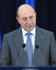 Basescu: Referendumul pentru Parlament, separat de cel pentru Constitutie (Video)