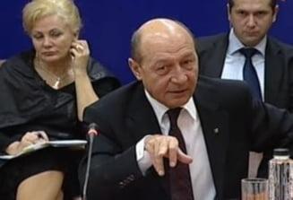 Basescu: S-a mers prea departe cu castigarea licitatiilor in instanta!
