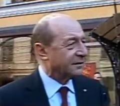 Basescu: S-a mintit cu marirea salariilor primarilor (Video)