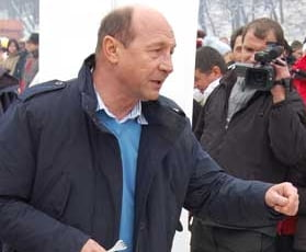 Basescu: Scad sansele Romaniei pentru obtinerea postului de comisar european