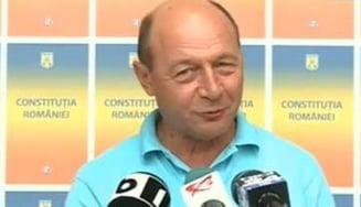 Basescu: Suntem condusi de Antonescu cand nu doarme si de Ponta cand nu scrie