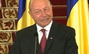 Basescu: Sustin fara rezerve revenirea la salariile de dinainte de taiere