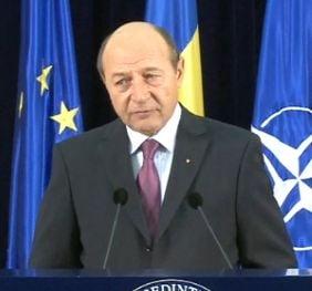 Basescu: Televiziunile sunt o tinta, TVR ar putea fi anexata unui grup media