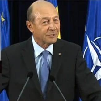 Basescu, ambasadorilor romani: Renuntati sa coafati realitatile perceptiei suspendarii din 2012