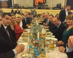 Basescu, asteptat la sediul PMP sa-si preia biroul - Ce mesaj a transmis (Video)