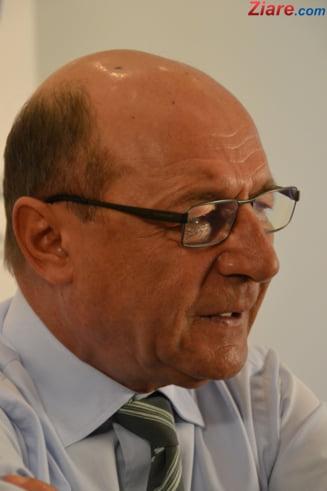 "Basescu, atac dur la ""lingaii de clante de la ambasade"""