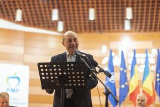 """Basescu, atac dur la adresa premierului: """"Cat pot sa mai cred in acest rebut politic care se numeste Ludovic Orban? Nu il crede nimeni pe acest gogosar incompetent"""""""
