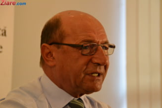 Basescu, atac la Iohannis: Dispret pentru Ziua Nationala, a organizat cupa de sampanie cu guvernul lui (Audio)