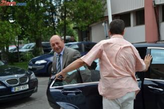 Basescu, audiat la Parchet: Voi continua sa ma apar! (Video)