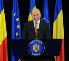 Basescu, avertisment de la Haga: Populatia nu realizeaza riscul terorist sau al accidentelor nucleare