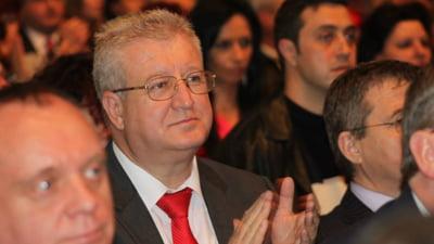 Basescu, avertizat de un senator PSD: Amenintarile cu nationalizarea sperie investitorii