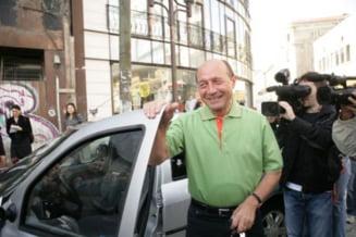 Basescu, cu familia la munte - n-a urmarit declaratiile lui Antonescu de vineri