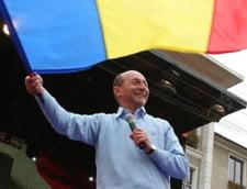 Basescu, de Ziua Drapelului: Simbol care ne aminteste datoria sfanta de a servi patria