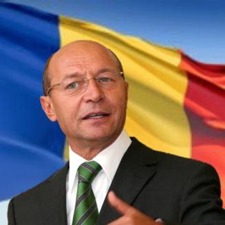 Basescu, de Ziua Nationala: Va indemn sa arborati steagul national