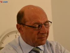 "Basescu, despre ""biblioteca de dosare"" pe numele sau: Ori imi dau NUP, ori ma audiaza!"
