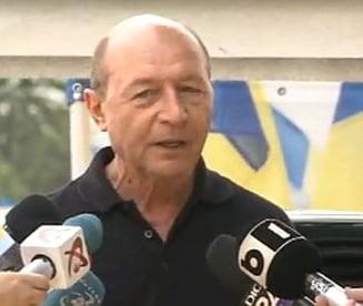 """Basescu, despre moscheea de la Bucuresti si """"Biserica Turnatorul Voiculescu"""""""