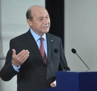Basescu, dupa intalnirea cu Ponta: Reducerea CAS, o masura electorala pripita, va aduce noi taxe pentru populatie