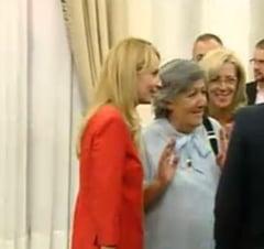 """Basescu, glume pe seama tinutei """"pedeliste"""" a sotiei lui Ponta?"""