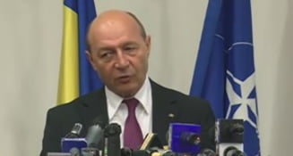 Basescu, huiduit la Iasi: Ai distrus tara! - vezi cum le-a raspuns oamenilor