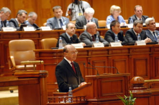 Basescu, in Parlament: Haideti sa lasam tara sa respire!