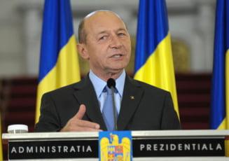 Basescu, in fata romanilor din Chicago: Va dau un motiv pentru care sa ramaneti aici