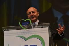 Basescu, in lacrimi la Congresul PMP: Cel mai important moment din viata mea, ca om politic