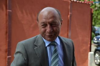 "Basescu, intalnire de taina cu primarii PDL: A vrut ""sa ia pulsul"" alesilor"
