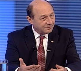 Basescu, la TVR: Avem guvern, avem premier, mergem mai departe!
